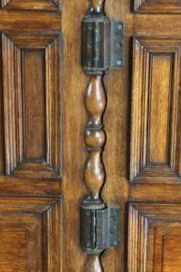 1800's / 19th Century Antique Raised 3-Panel Oak Half Screen w/ Wraparound Hinges