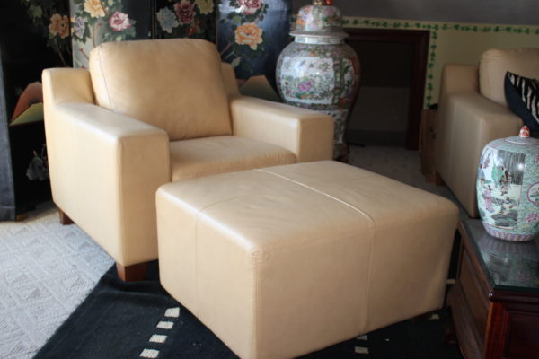 Beautiful Beige/Camel Leather Sofa Set