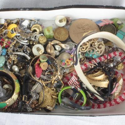 Jewelry & Accessories Box Lot 2
