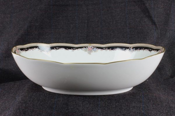 Noritake Palais Royal 9 5/8 inch Oval Vegetable Bowl Bone-China