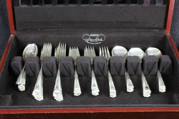 Vintage Antique GORHAM Greenbrier 60 pc STERLING Silver Flatware Set w/ Chest