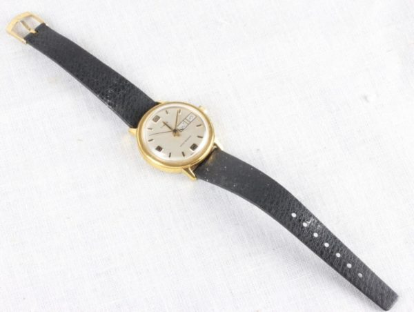 1978 Timex Day Date Gold Tone Men's Water Resistant Wristwatch