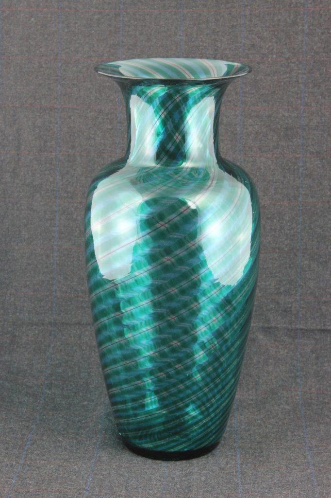 Veart Signed Venetian Murano Handblown Glass Vase Optic Swirl Riam