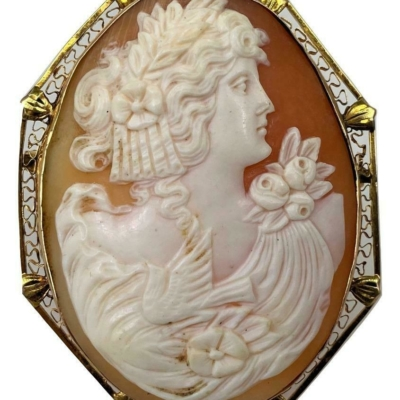 Big Antique Carved Shell Cameo Filigree Fauna Woman 14K Gold Pendant Brooch Pin